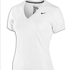 NIKE FIT DRY T-SHIRT FIR WOMEN.SIZE SMALL